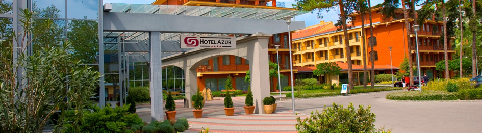 Hotel Azúr front 2
