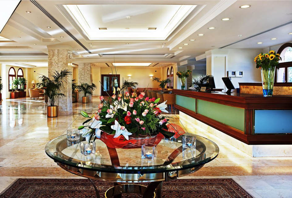 Hotel Negroponte lobby 2