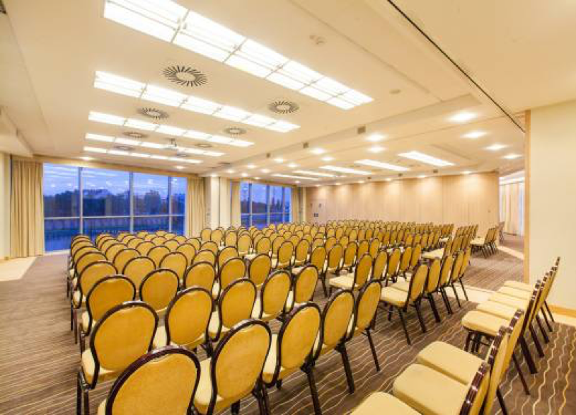 Qubus Hotel conference room 2