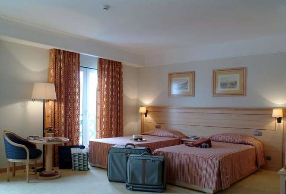 REAL PALACIO Hotel room