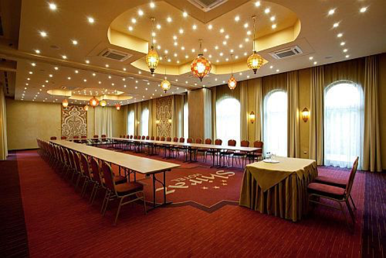 SHIRAZ Hotel conference room