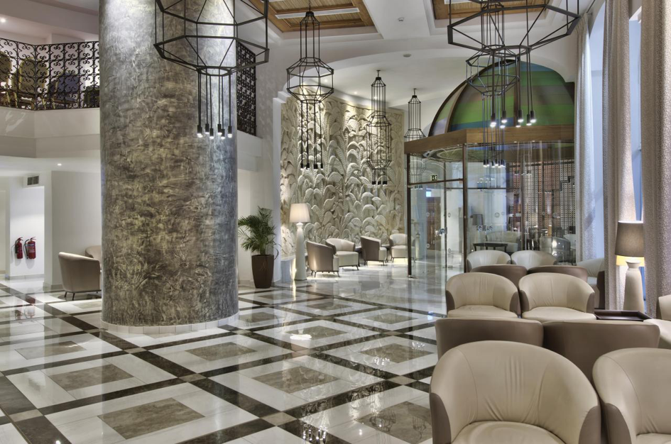 db San Antonio Hotel lobby